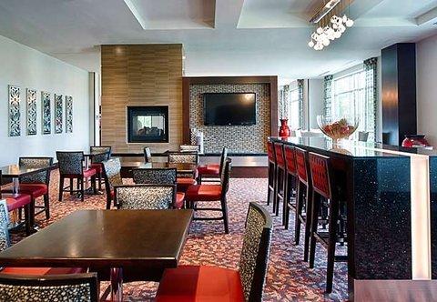 фото Residence Inn by Marriott Boston Logan Airport/Chelsea 488349214