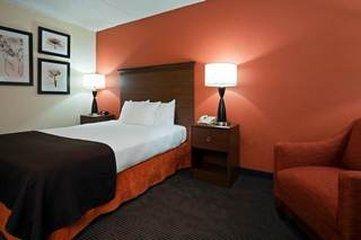 фото AmericInn Lodge & Suites Worthington 488349266