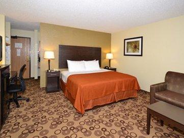 фото AmericInn Lodge & Suites Cedar Falls 488350915