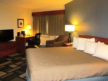 фото AmericInn Lodge and Suites Austin 488351499