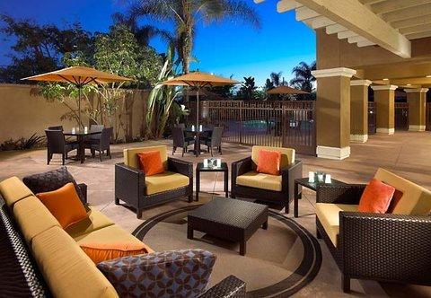 фото Courtyard by Marriott Anaheim Buena Park 488354595