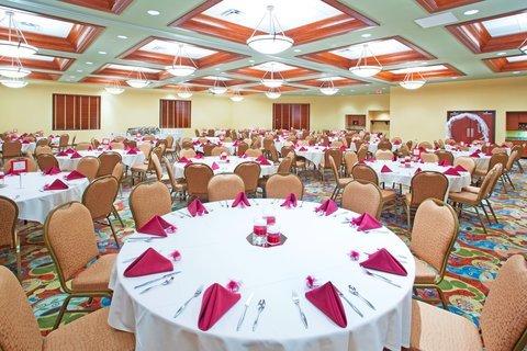 фото Holiday Inn Midland 488355449