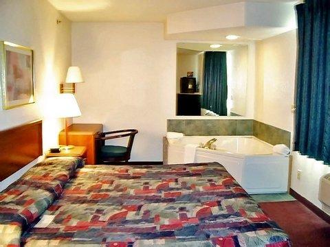 фото AmericInn Hotel & Suites Bay City 488355604