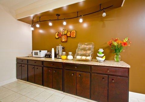 фото Americas Best Inn & Suites - Downtown Augusta 488357936