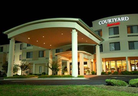 фото Courtyard by Marriott Danville 488360734