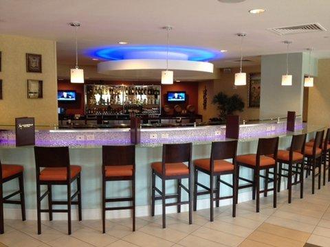 фото Ramada Plaza Hotel And Suites 488363217
