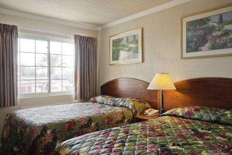 фото Americas Best Value Inn & Suites 488363764