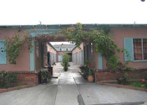 фото Pavilions Motel 488365118