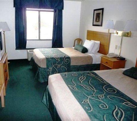 фото Oak Tree Inn Wellington 488365281