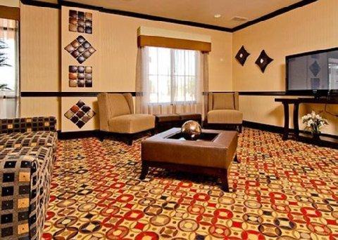 фото Comfort Suites Lawton 488368532