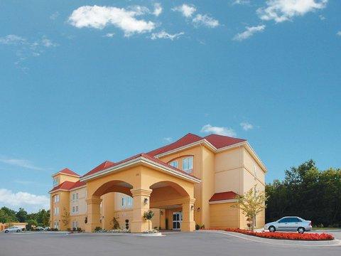 фото La Quinta Inn & Suites Huntsville Airport Madison 488370570