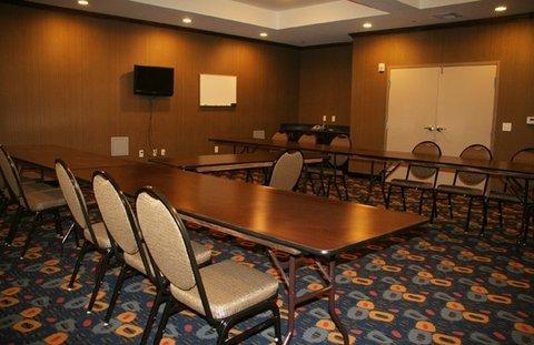 фото La Quinta Inn & Suites Glen Rose 488370610