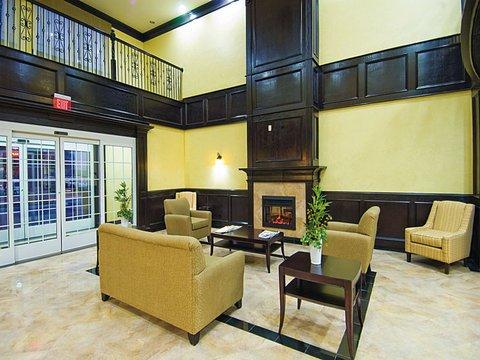 фото La Quinta Inn & Suites DFW Airport West - Bedford 488370761