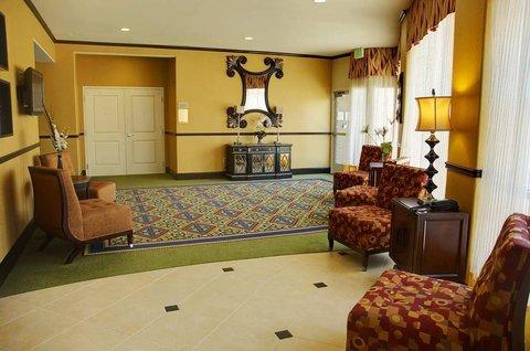 фото Hilton Garden Inn Fontana 488371911