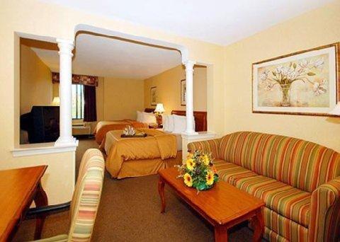 фото Comfort Suites 488372379