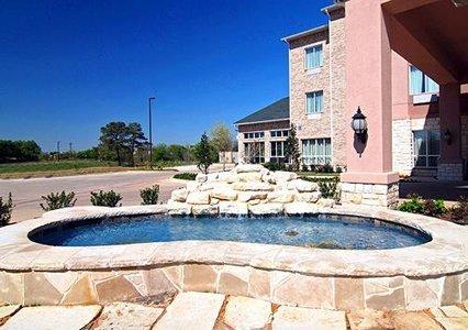 фото Comfort Inn & Suites Near Lake Lewisville 488376867