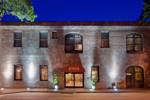 фото Staybridge Suites Savannah Historic District 488378022