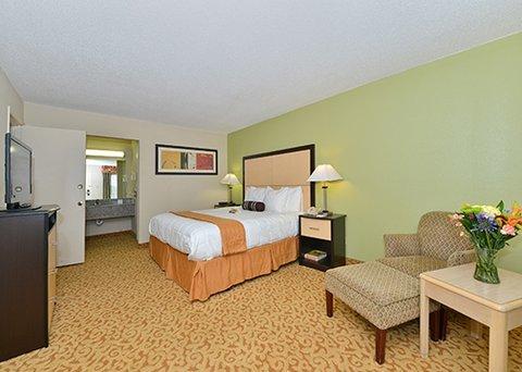 фото Quality Inn & Suites - Addison 488379630