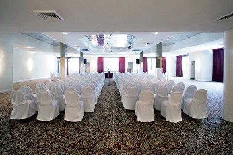 фото River Park Hotel & Suites 488380604