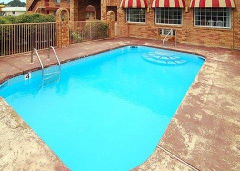 фото Econo Lodge & Suites 488382628