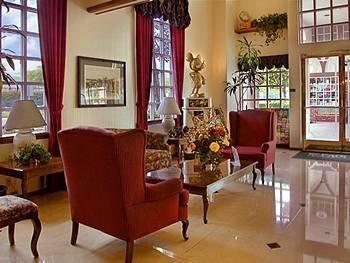 фото Anaheim Camelot Inn & Suites 488382661