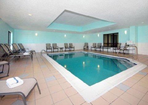 фото Comfort Suites Bloomsburg 488384045