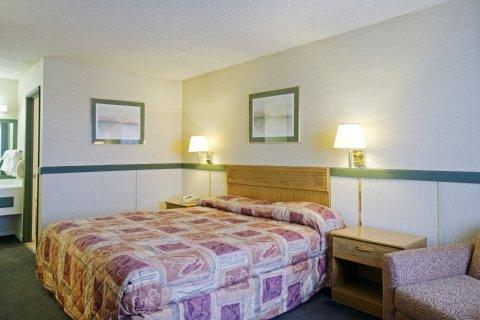 фото Americas Best Value Inn 488384052