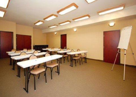 фото Comfort Suites Jackson - Cape Girardeau 488384433