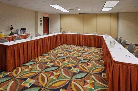 фото Holiday Inn Express Hotel & Suites Manteca 488386798