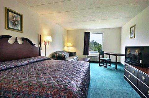 фото President Inn & Suites 488388075