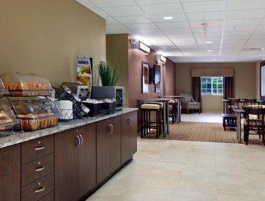 фото Microtel Inn & Suites by Wyndham Bryson City 488388308