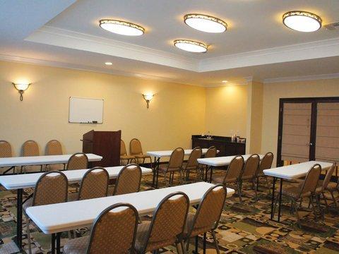 фото La Quinta Inn & Suites Woodlands Northwest 488390584