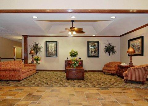 фото Comfort Suites Marshall 488393473