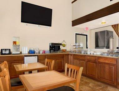 фото Super 8 Hotel Goodyear 488393542
