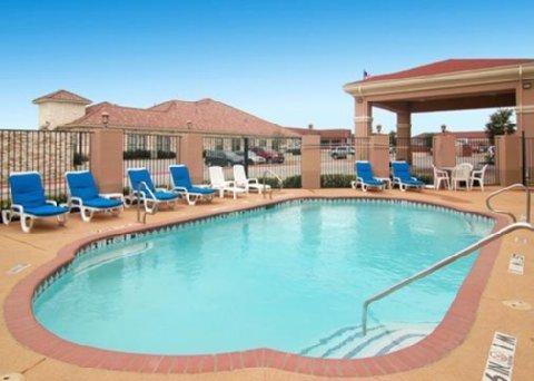 фото Comfort Suites Mesquite Hotel 488394623