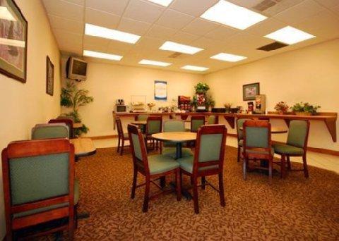 фото Comfort Inn Thomasville 488397397