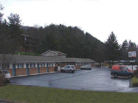 фото Highland Hills Motel & Cabins 488397418