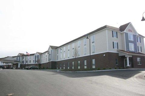 фото Hampton Inn & Suites - Cape Cod / West Yarmouth 488400387