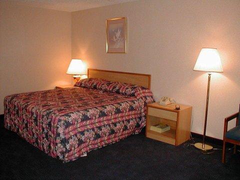 фото Budget Inn Temple Hills 488402361