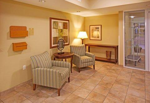 фото Candlewood Suites Bellevue 488402637