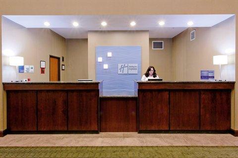 фото Holiday Inn Express Newport 488404860