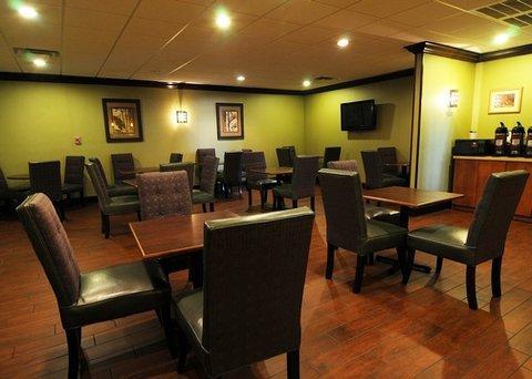 фото Comfort Inn on the Ocean 488407745