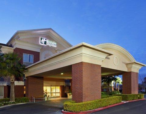 фото Holiday Inn Express Woodland 488409544