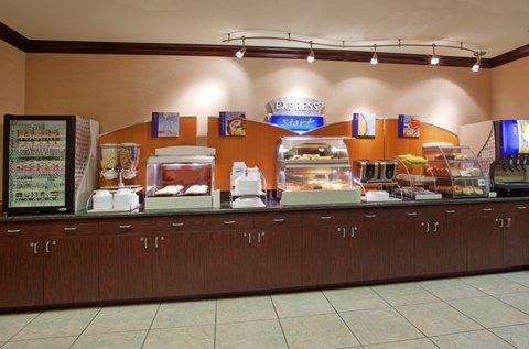 фото Holiday Inn Express Woodland 488409558