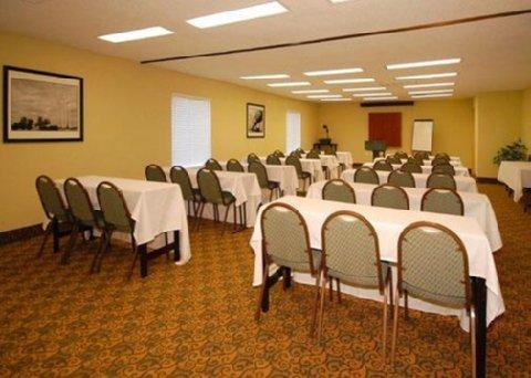 фото Quality Suites 488410429