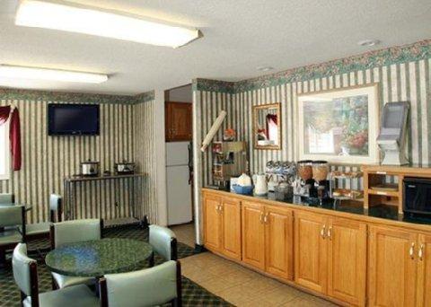 фото Rodeway Inn Sweet Springs 488411599