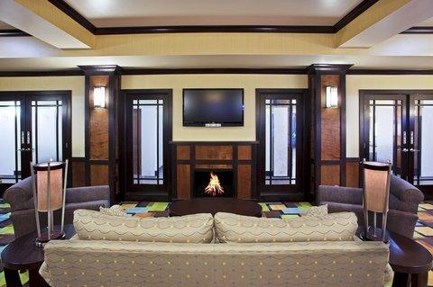 фото Holiday Inn Express Hotel & Suites Van Wert 488412177