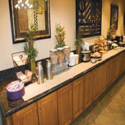фото La Quinta Inn & Suites Fort Walton Beach 488412986