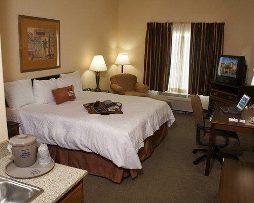 фото Holiday Inn Denton - University Area 488413568