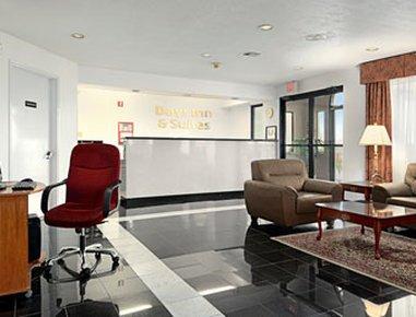 фото Days Inn & Suites Port Arthur 488417433